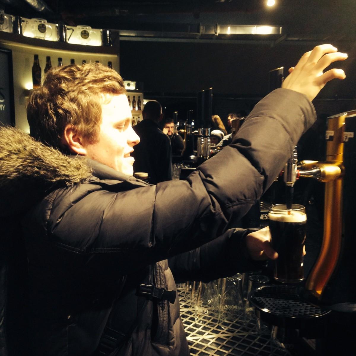 So schenkt man Guinness richtig ein