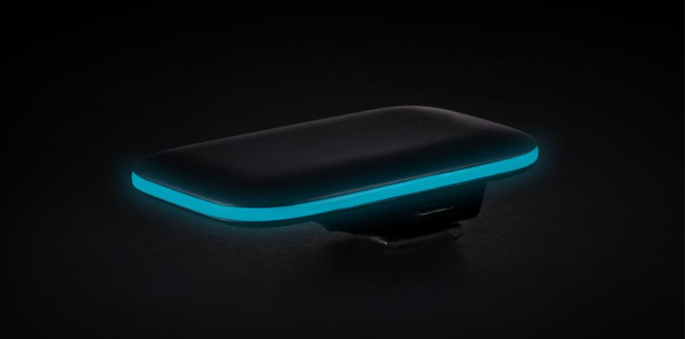 Der schicke Fernauslöser PULSE leuchtet blau