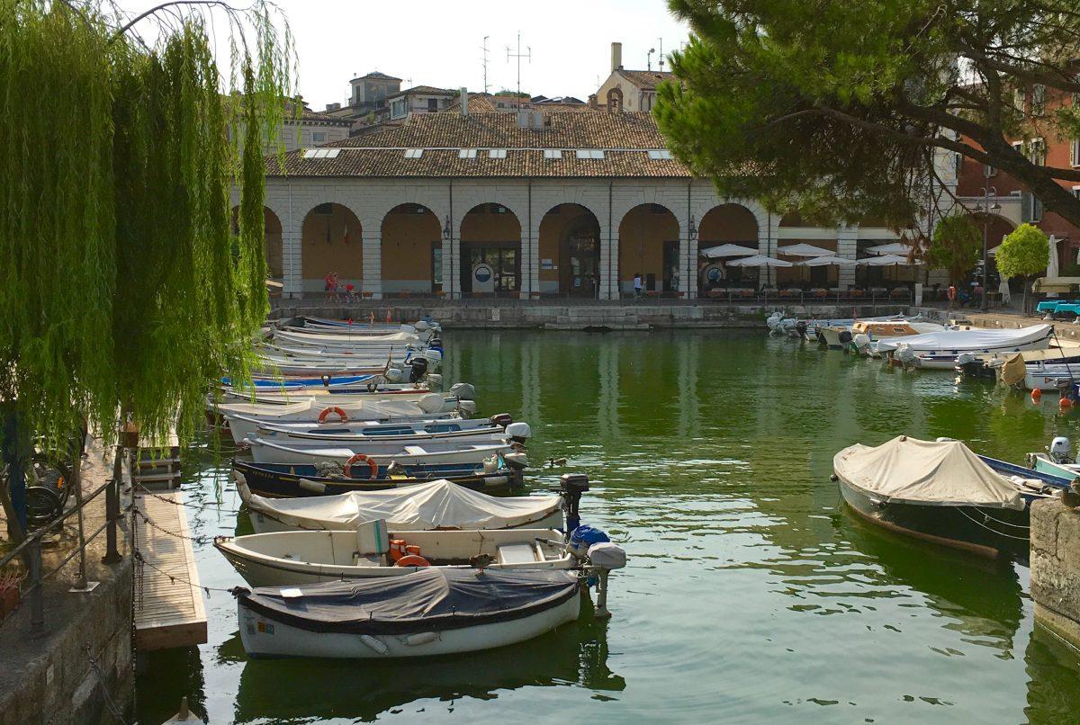 In Desenzano gibt es schöne Häfen
