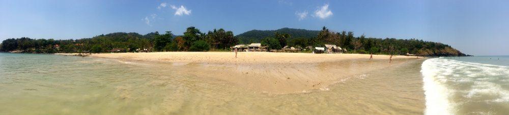 Panorama von Strand auf Koh Lanta