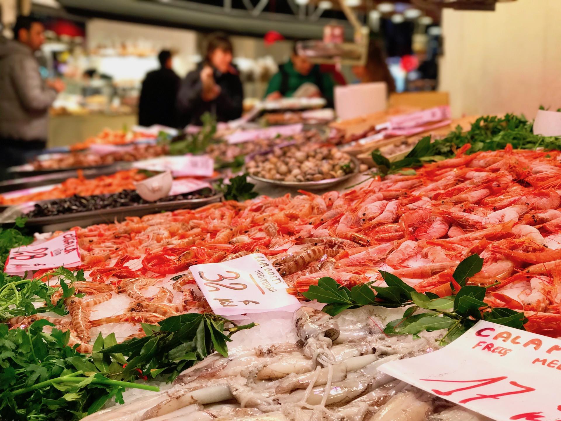 Kleine Auswahl an Fisch im Merzt de la Boqueria