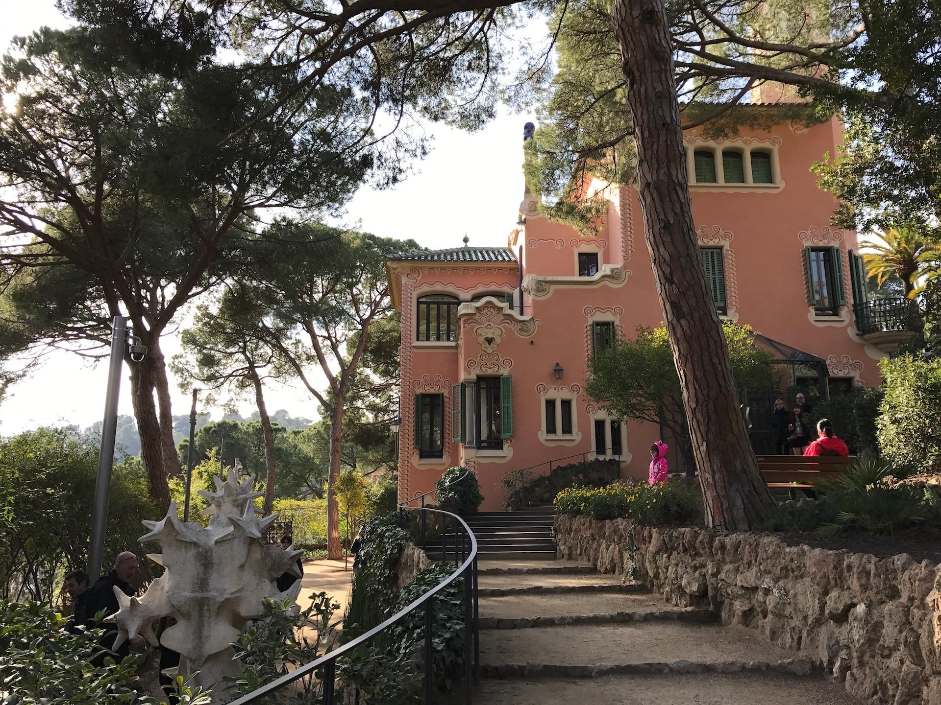 Das ehemalige Wohnhaus von Gaudi