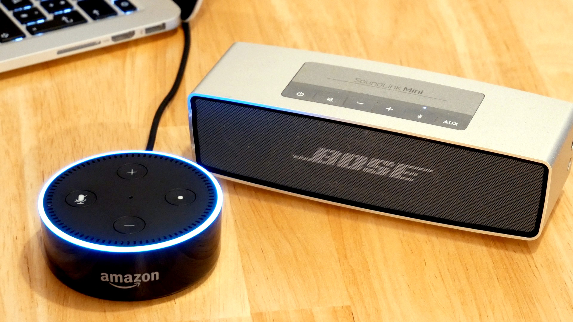Amazon Echo Dot mit Bose Soundlink mini gekoppelt